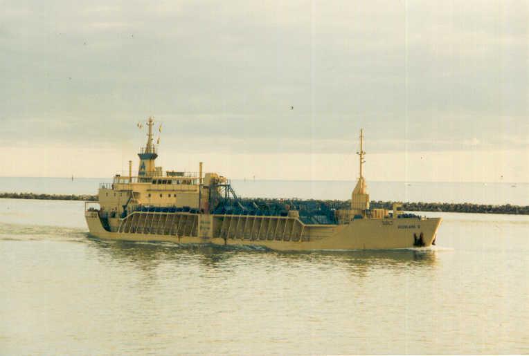 Bulk carrier in Port River