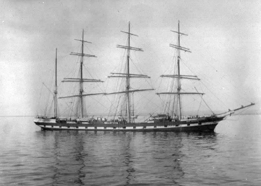 """Four masted Iron Barque """"Port Jackson"""", built in 1882 at Aberdeen by A Hall & Co for Duthie Bros.  This vessel traded regularly to Australia and when sold to Devitt & Moore in 1906 became a cadet training ship, remaining in the same trade until she was to"""