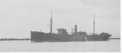 1915-16 General cargo vessel under way