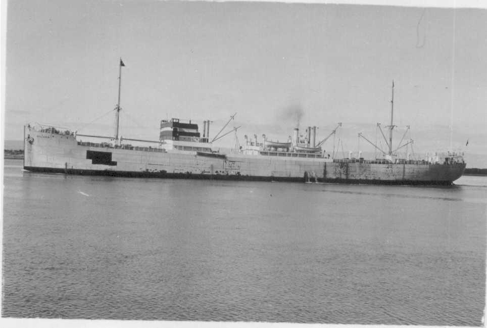 1919-20 General cargo vessel entering port