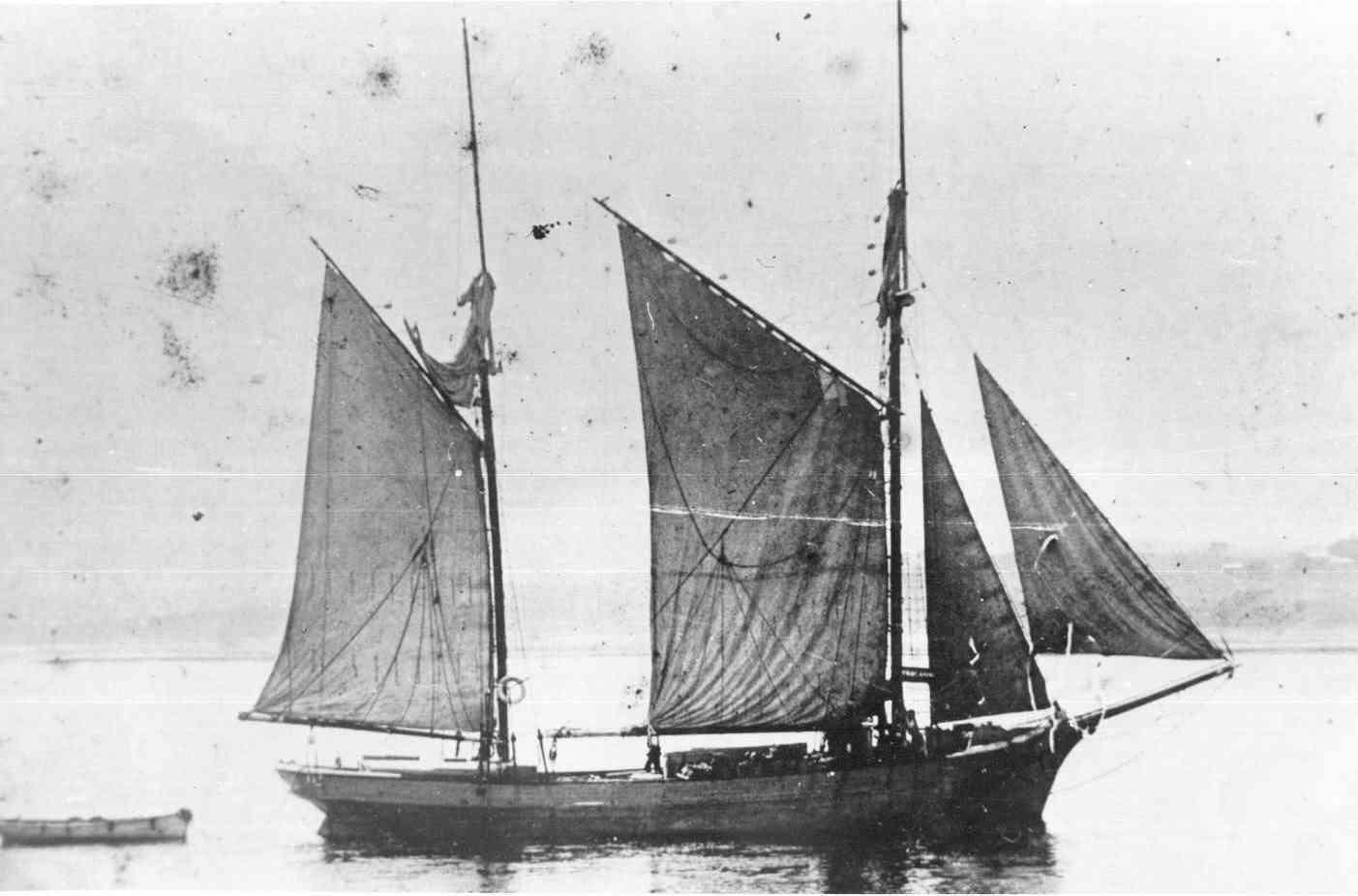 Ketch off Newhaven, Phillip Island