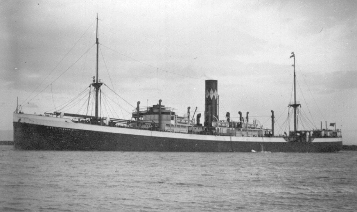 1925 general cargo vessel under way