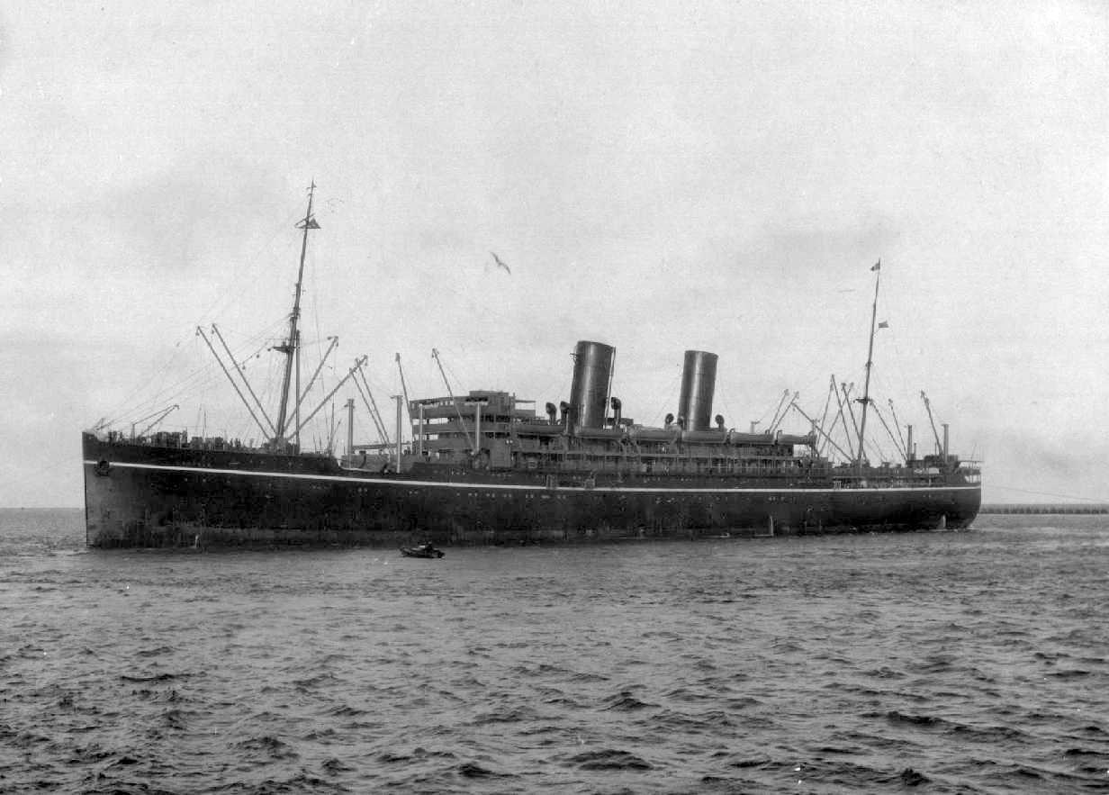 """Passenger vessel """"Comorin"""", built by Barclay, Curle & Co - Glasgow and launched on 31 October 1924.  The vessel was completed in April 1925 and began her inaugural voyage on 25 April 1925 from London to Sydney. Base Port:  London Tonnage:  15116 gross"""