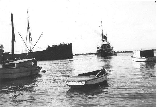"This image shows tug berthing ""Ashridge"" at Port Adelaide, 16/6/1937."
