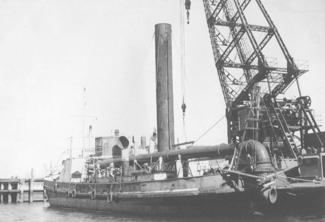 1914-15 Dredge at Port Adelaide