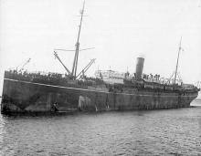 """Passenger vessel """"Somali"""", bult in 1901 at Greenock, by Caird & Co for P & O Steam Nav. Co.  A Steel twin screw steamship, seen here carrying with troops aboard during World War 1. Official Number:  114056 Tonnage:  6712 gross Dimensions:  length 450',"""