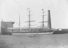 1875 Barque berthed at Port Adelaide, 1901.
